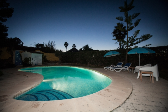 VV22 zwembad avond